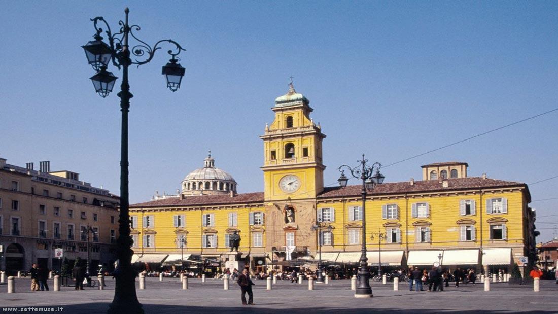 Parma Piazza Orologio