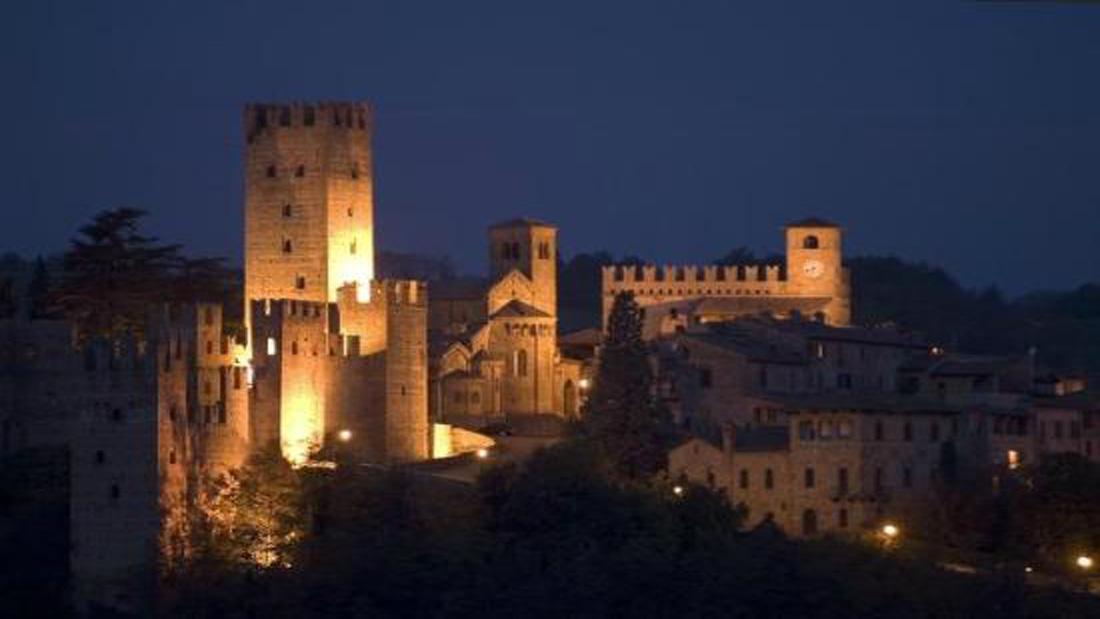 Castell'Arquato notturno